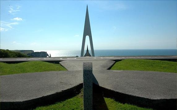 Monument Nungesser et Coli